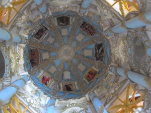 Błękitna kopuła, zwana kopułą muzykujących aniołów - wnętrze