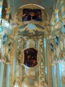 """Transept - skrzydło południowe, z ołtarzem: """"Zaśnięcie Najświętszej Panny"""", autorstwa Michelangela Merisi da Caravaggia"""
